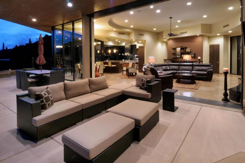 Soloway Designs & KS Classic homes create an astounding contemporary ...
