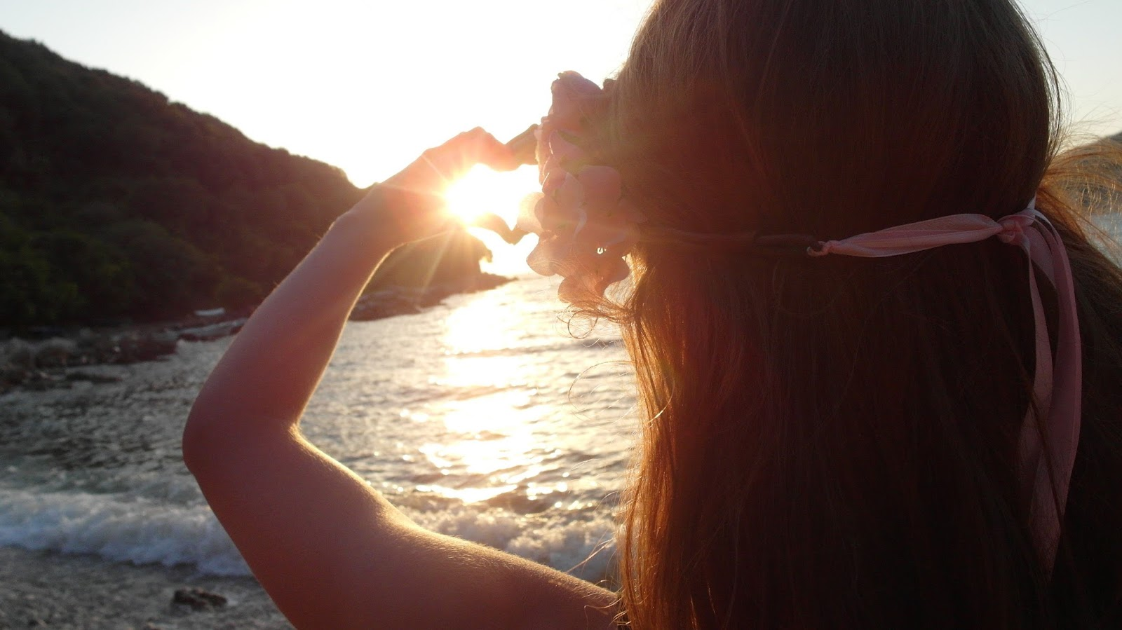 Západ slunce u moře v Černé Hoře Valdanos Beach