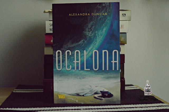 """Ciekawa wizja przyszłości – recenzja książki #254 – Alexandra Duncan """"Ocalona"""""""