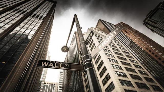 Wall Street abre en rojo tras anuncio de inflación en enero