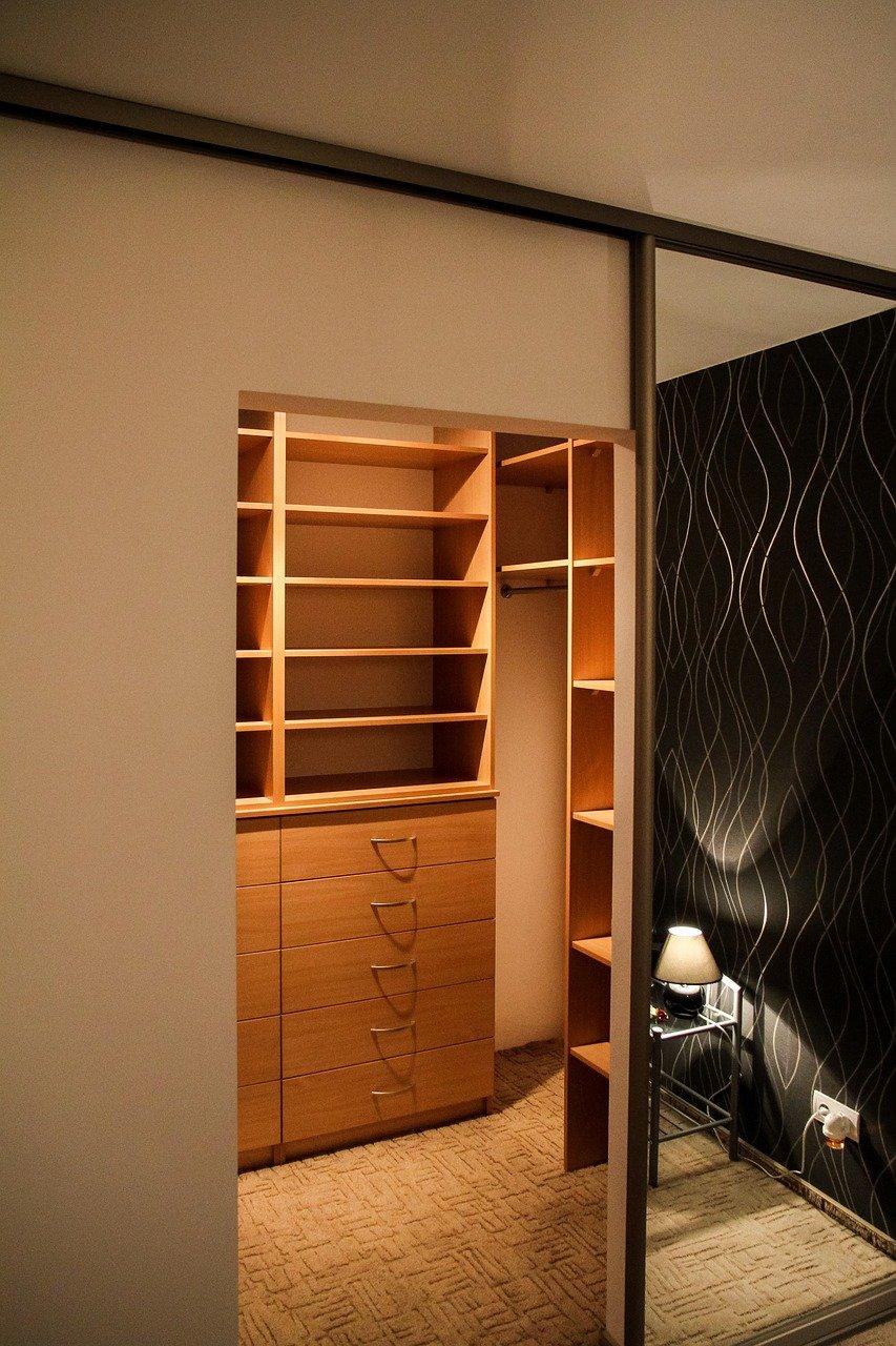 Guarda-roupa para quarto pequeno