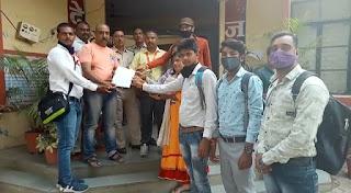 ग्राम पंचायत सुनेड़ा तहसील बडनगर जिला उज्जैन सरपंच सचिव द्वारा पत्रकारों पर हमला