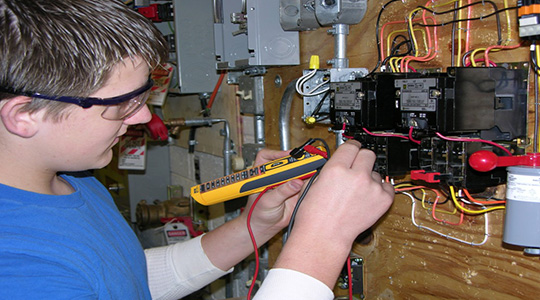 Essential Tips to Become a Residential Electrician in ...