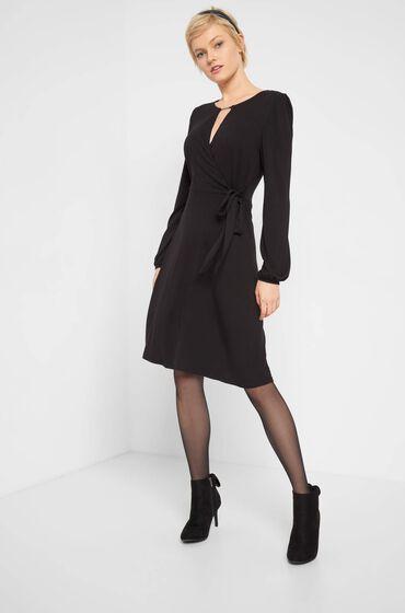 sukienka czarna dzianinowa wiązana