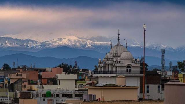 Penomena Langka, Pemandangan Pegunungan Himalaya Kembali Terlihat Setelah 30 Tahun Berkat Lockdown