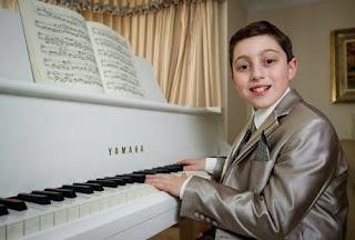 Anak ini Mendapatkan Ijazah Musik di Usia 11 Tahun Wow