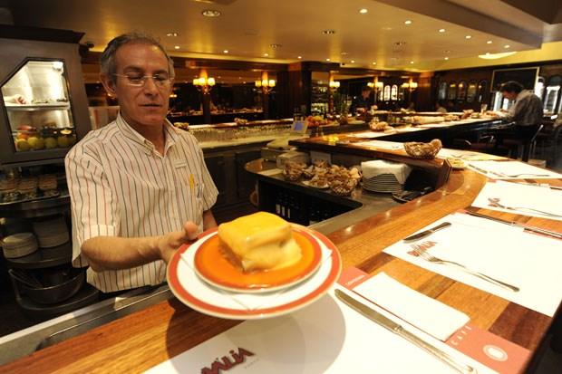 http://lifestyle.publico.pt/restaurantesebares/284923_a-minha-francesinha-e-melhor-do-que-a-tua