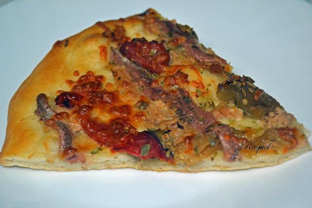 Pizza De Escalivada Atún Y Anchoas