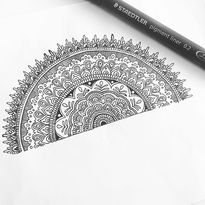 13-Eszter-Luca-Stippling-Ink-Mandala-Designs-www-designstack-co