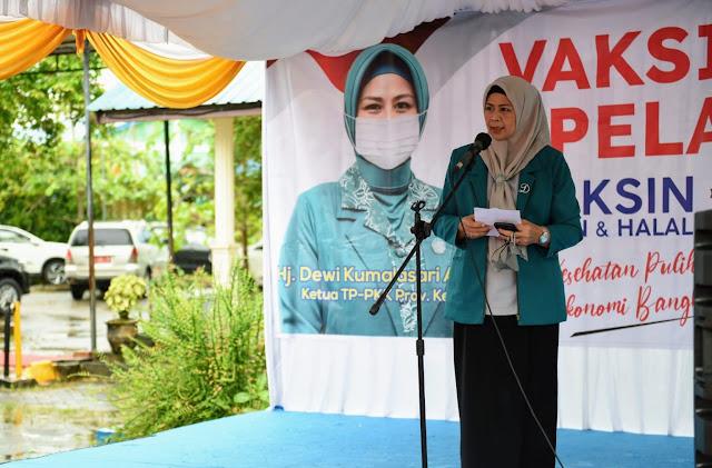 Sebanyak 600 Pelajar SMKN 1 Bintan Utara dan SMAN 1 Bintan Utara Melakukan Vaksinasi Covid-19