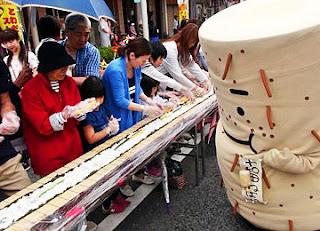 Towada Street Festa June 2014 70m Norimaki とわだストリートフェスタ2014 長いのり巻き