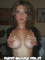 Carolina muestra sus senos