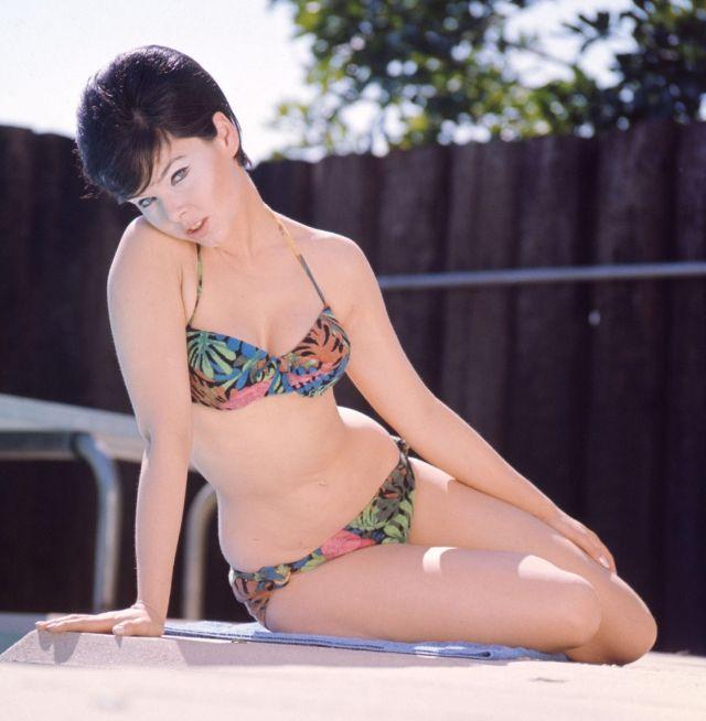 Leaked Sexy Yvonne Perry  nude (19 foto), Facebook, panties
