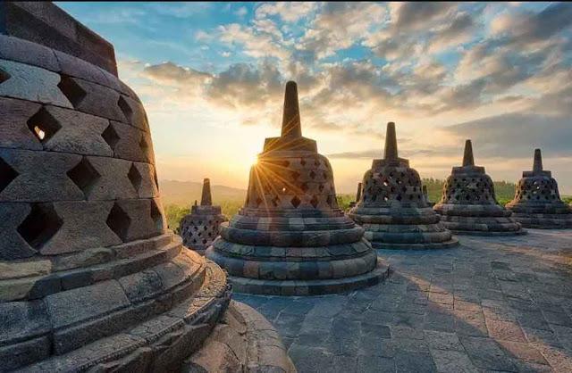 Kerajaan Hindu Budha di Indonesia dan Perkembangannya