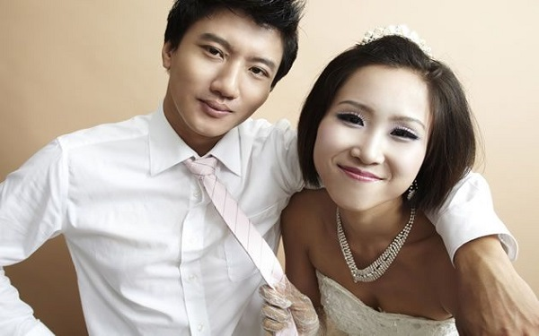 Chinesas solteiras alugam namorados para apresentar à família (Imagem: Reprodução/Yahoo)