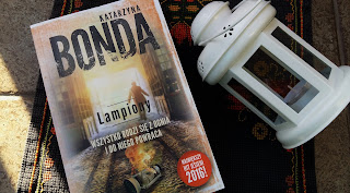 """Byłam w mieście nad rzeką Łódką, czyli recenzja """"Lampionów"""" Katarzyny Bondy."""
