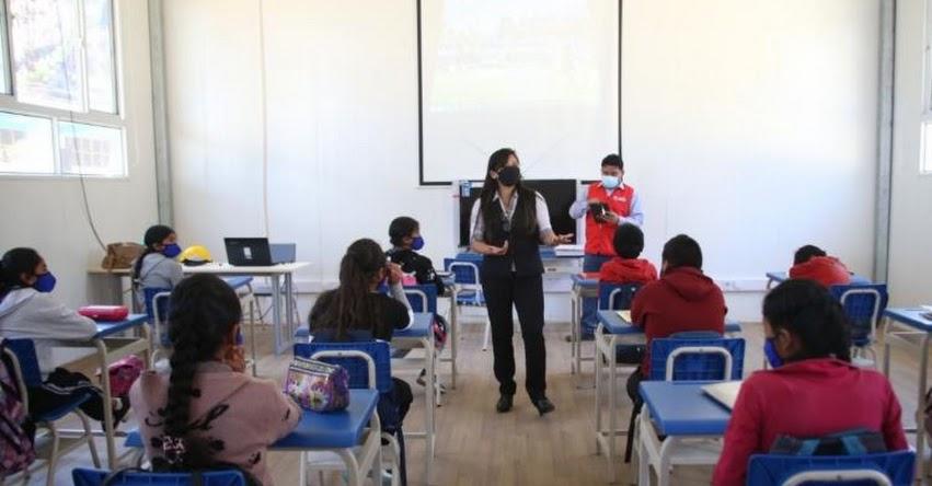 MINEDU: 4,657 colegios de 21 regiones retornaron a clases semipresenciales