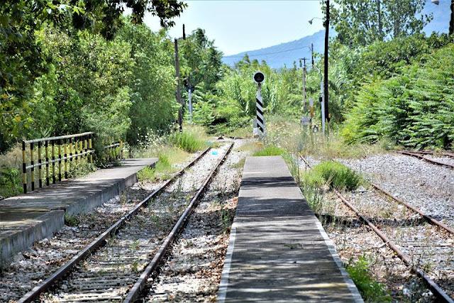 Η γραμμή του τρένου Κόρινθος - Ναύπλιο καταστρέφεται