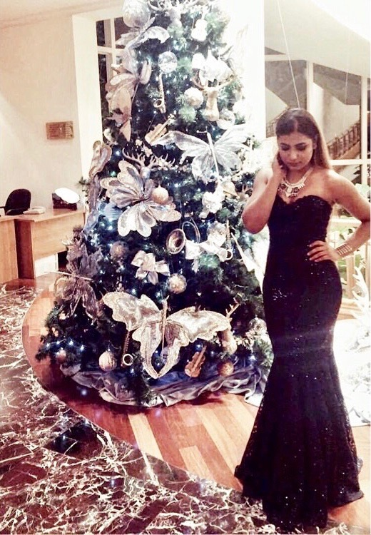 kajol paul, fashion blogger, the style sorbet, dubai fashion blog, dubai fashion blogger, street style, ootd, christmas, red carpet, glam, 2016