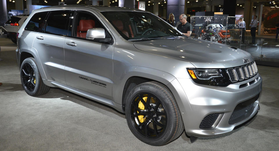 jeep 39 s 707hp grand cherokee trackhawk looks even better in silver. Black Bedroom Furniture Sets. Home Design Ideas