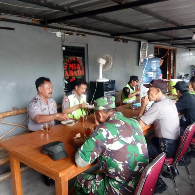 Wujud Kebersama TNI Polri Di Wilayah Manisrenggo