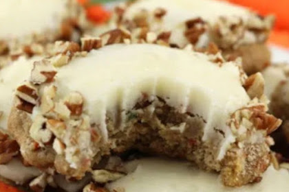 RECIPE CARROT CAKE COOKIES WITH CREAM CHEESE FROSTING