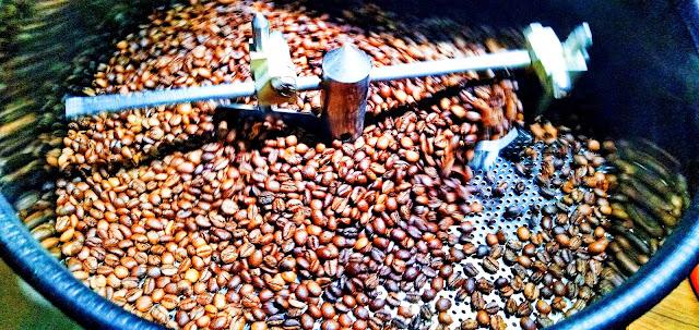 liberika-kopi-coffee-liberica-indonesia-purwakarta-kandungan-caffein-kafein