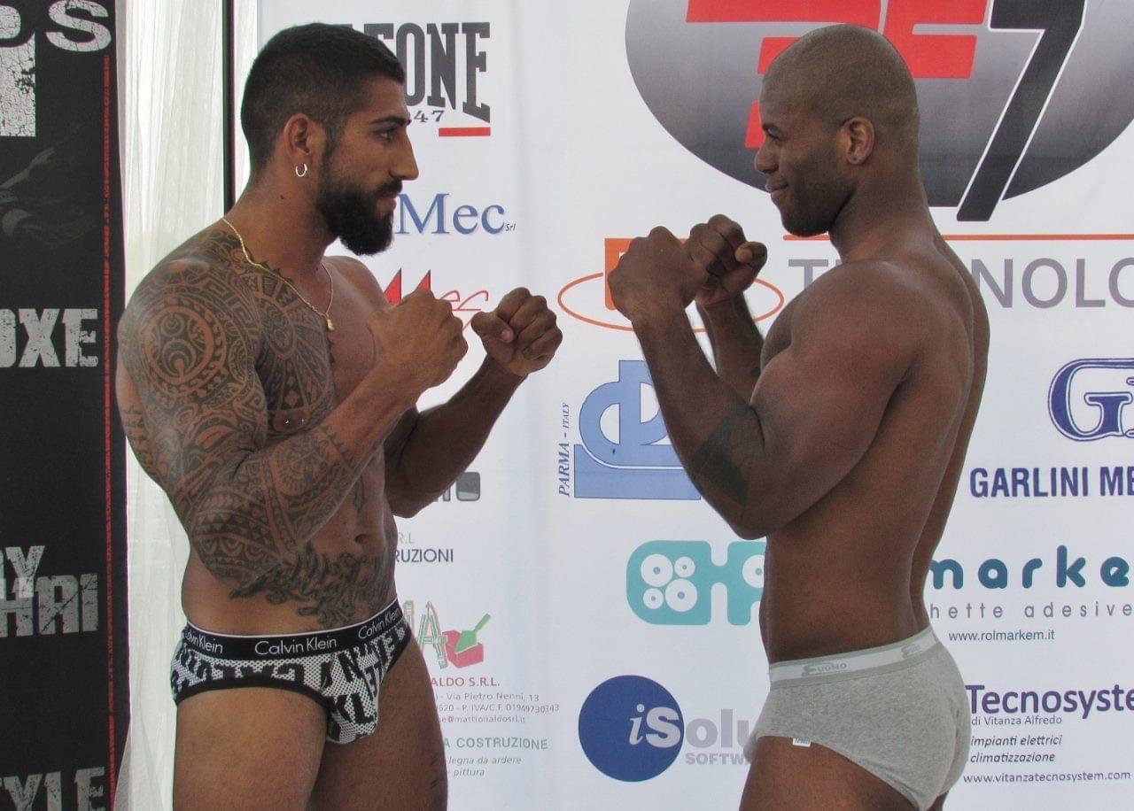 boxeadores en calzoncillos tallados