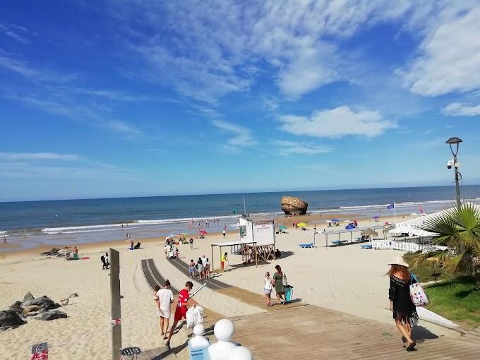 La playa de Matalascañas recibe el Premio Banderas Ecoplayas por quinta vez