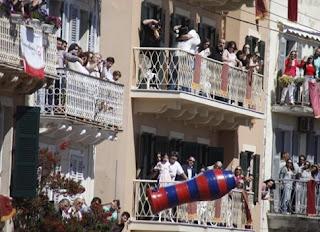 Μεγάλο Σάββατο στην Κέρκυρα, η Πρώτη Ανάσταση και οι «μπότηδες»