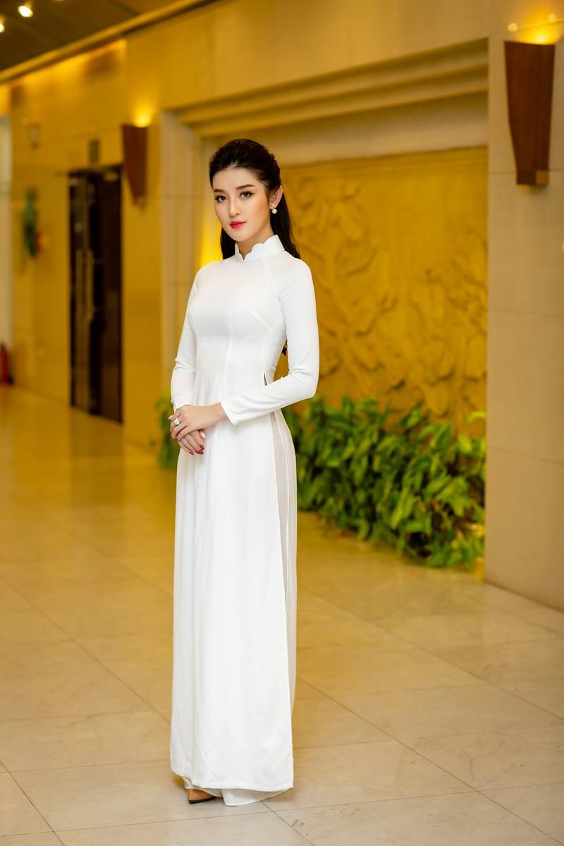 ảnh Huyền My đẹp dịu dàng trong trang phục áo dài trắng-ảnh 2