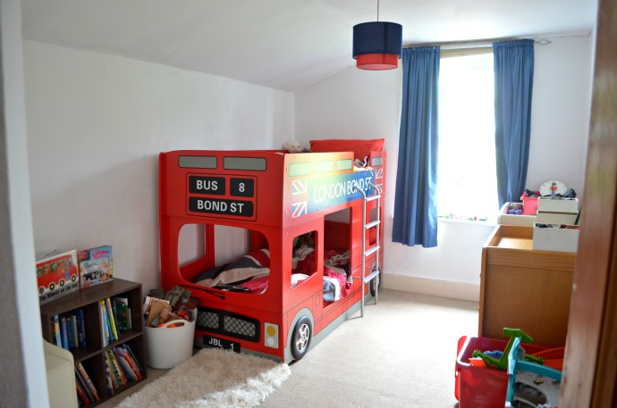London bus bed, London themed kids bedroom