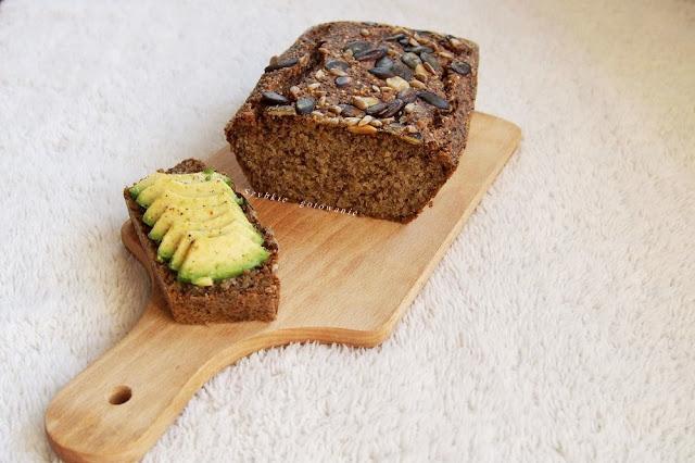 Chleb z komosy ryżowej i chia (bez mąki)