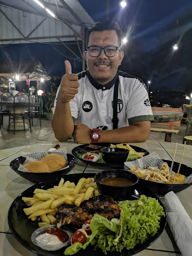 Makan Malam Sedap di Terengganu : Paloq Western Food Gong Badak