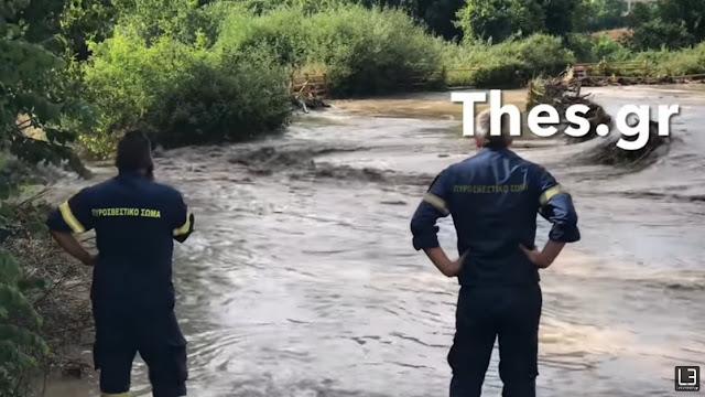 Νεκρός οδηγός στην Θεσσαλονίκη  -Το όχημά του παρασύρθηκε από τα νερά (βίντεο)