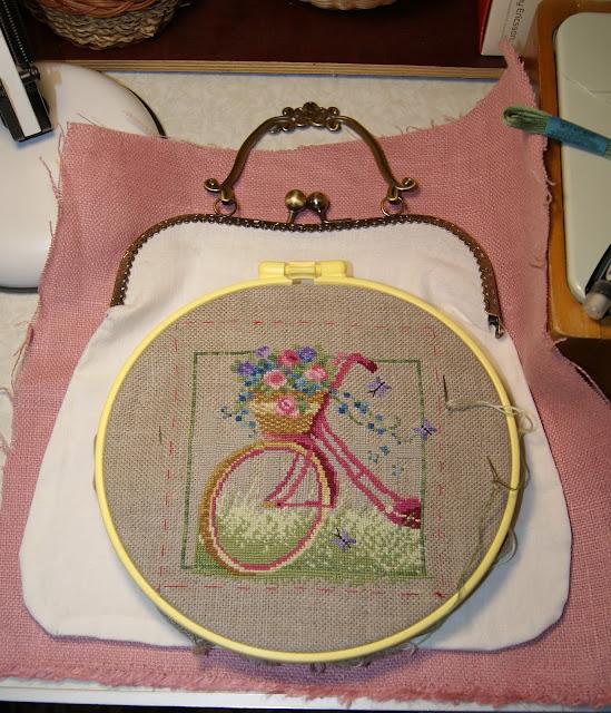 сумка с фермуаром и вышивкой, вышивка велосипед, фермуар, вышиваю крестиком, французская вышивка, сумочка, сумка ручной работы, сумка из льна