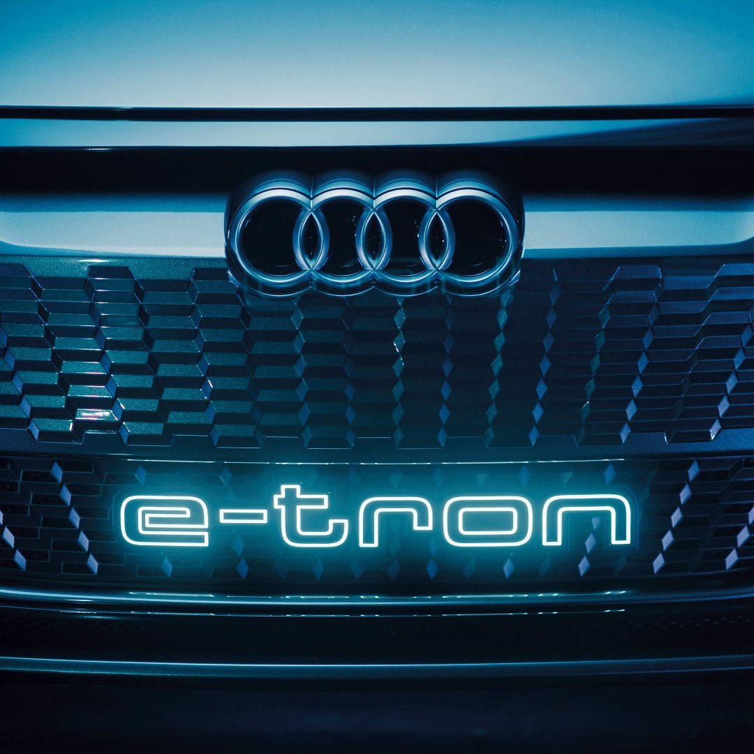 Grill Konsep Mobil Listrik Audi E-Tron GT Dirilis Gila