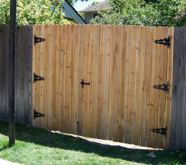 how to build a backyard fence