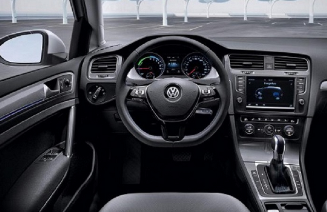 Volkswagen e-Golf Interior