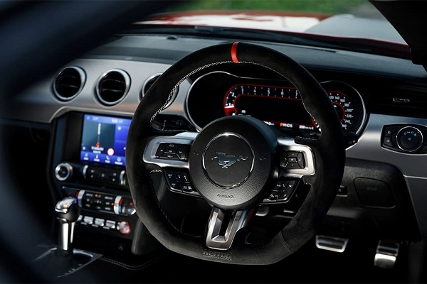 Ford Mustang SM17