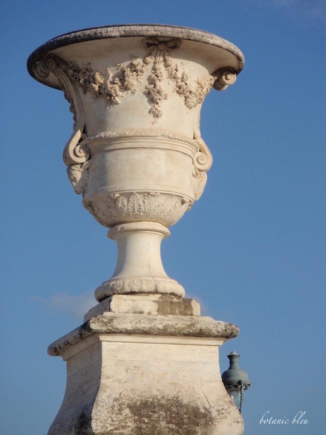 tuileries-garden-planter-urn