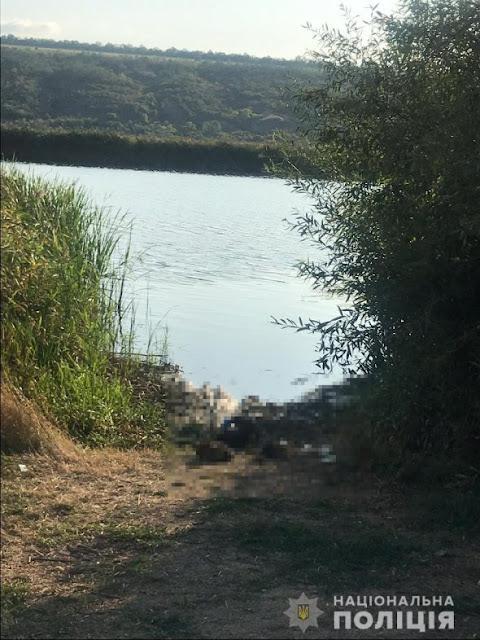 На шиї і ногах – каміння: на березі Бугу знайшли труп чоловіка