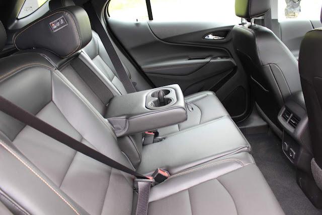 Chevrolet Equinox 1.5 Turbo Midnight 2020 - espaço traseiro