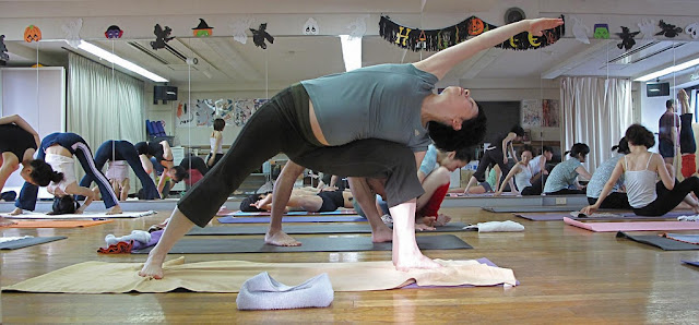 Ashtanga Yoga How to do Ashtanga Yoga Benefits of Ashtanga Yoga