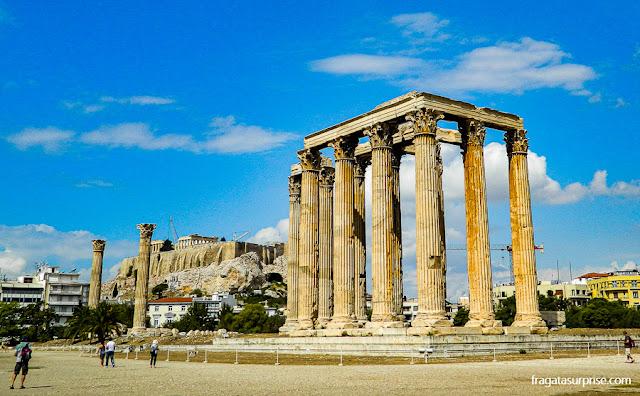 A Acrópole de Atenas vista do Templo de Zeus Olímpico