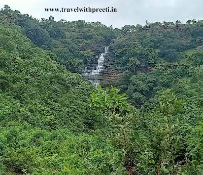 निदान फॉल का मनोरम दृश्य -  Nidan fall, Jabalpur