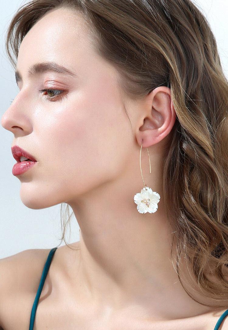 清新雪梅海水貝母耳環