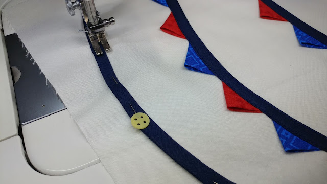 Party banner flag bunting quilt block using bias tape applique and prairie points