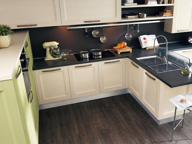 Кухни белого цвета с темной столешницей