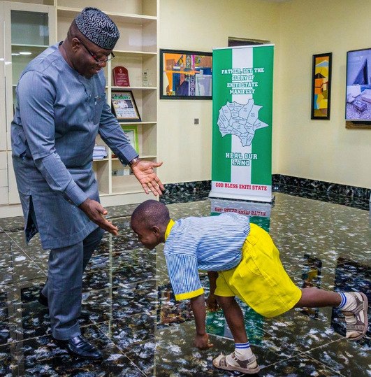 7-year-old-boy-acts-as-governor-of-Ekiti-state-09